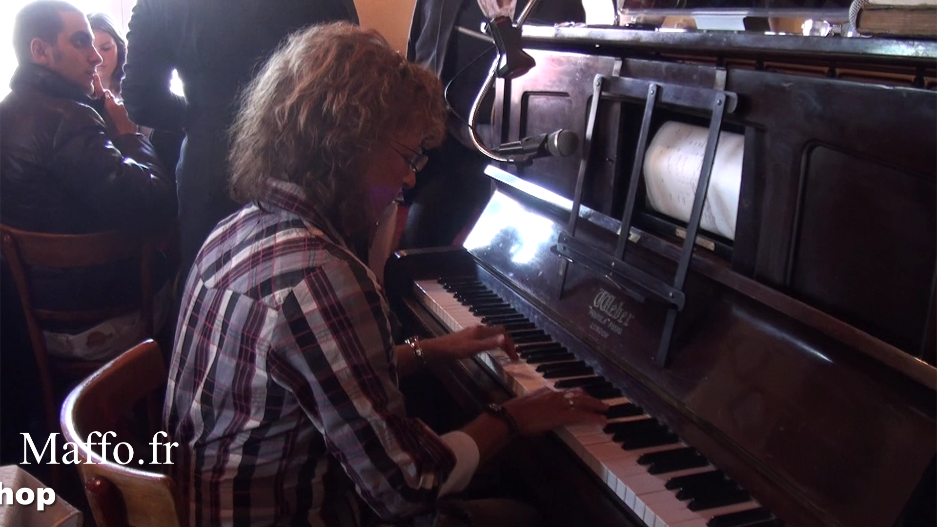 Nadine au Piano Concert Nadine N°127, By Maffo.fr